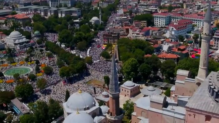 Al Baqarah Menggema di Hagia Sophia