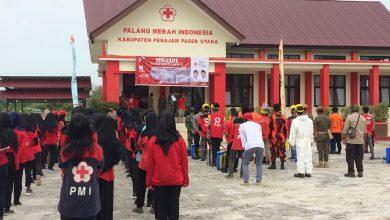 Photo of Peringati Hari Jadi, PMI PPU Bagi Masker Dan Semprot Disinfektan